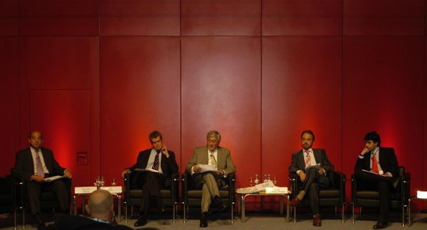 Impartiendo una conferencia en el Ferial Juan Carlos I.