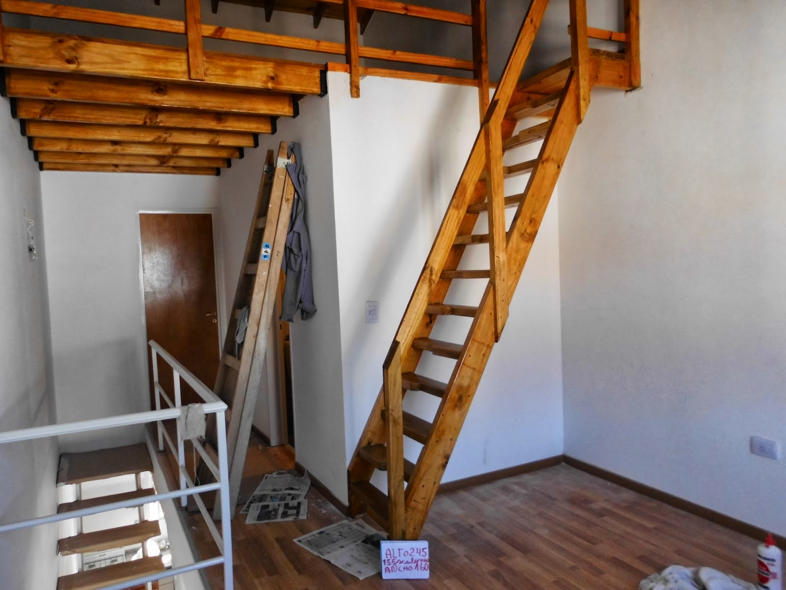 Entrepisos de madera escaleras escalera tipo escal n for Escalera de madera para entrepiso