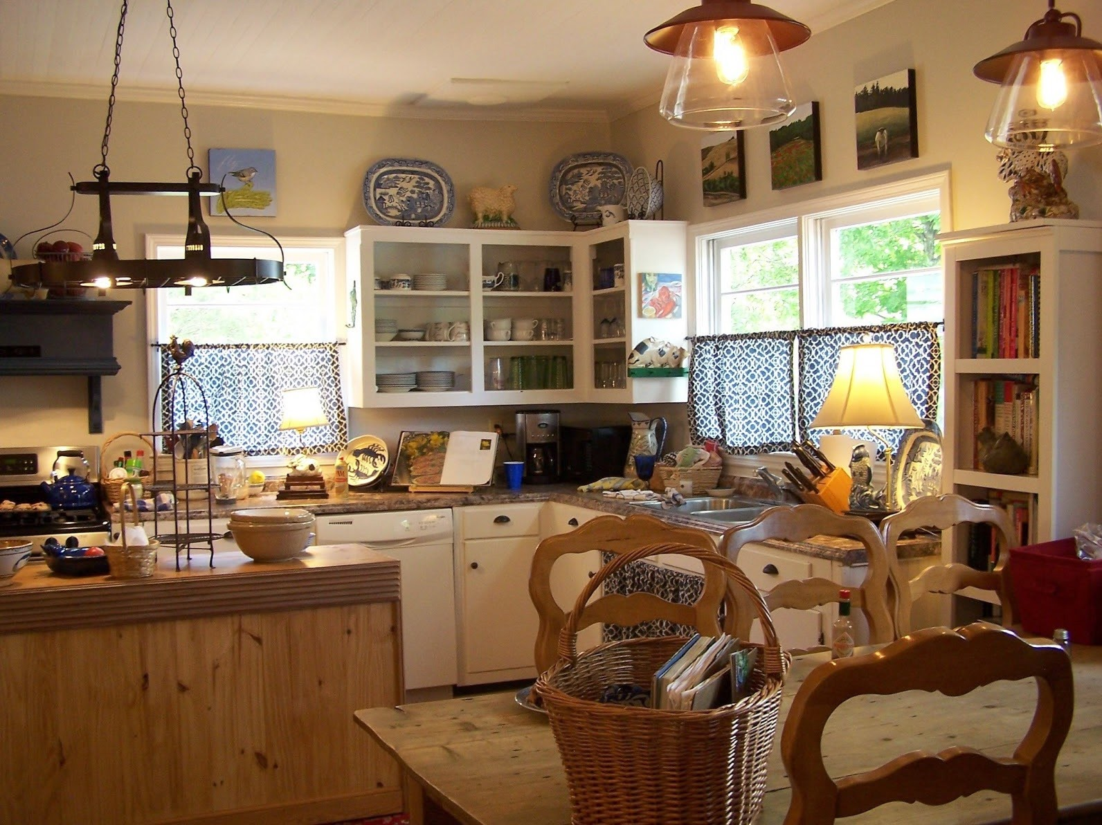 Traditional Farmhouse Kitchen Remodeling Designs