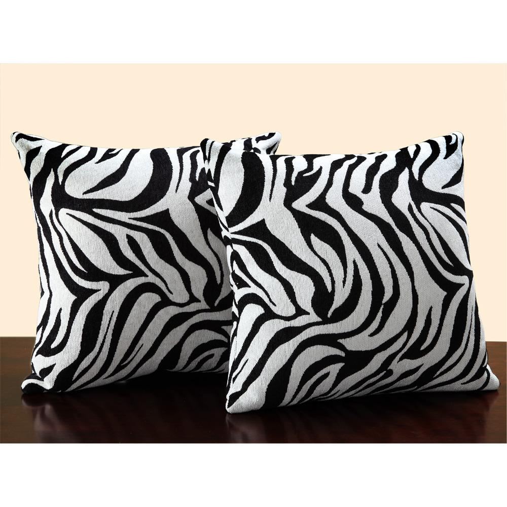 Animal Print Pillows Couch : VanillaBlonde:::...}: Where the Wild Things Are: Zebra!!
