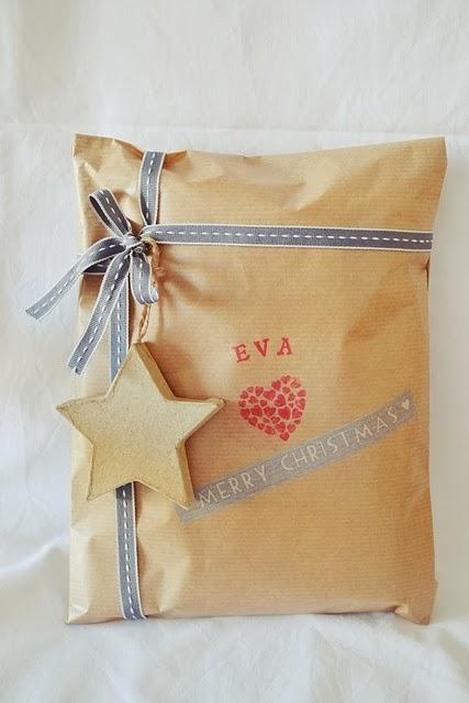http://www.littlemuna.com/2012/12/como-envolver-regalos-con-washi-tape.html