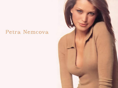 Television Host Petra Nemcova Sexy Wallpaper