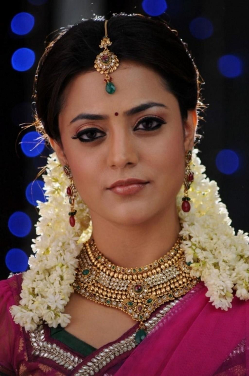 Nisha Agarwal face