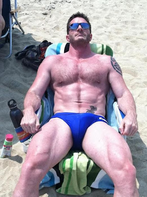 http://2.bp.blogspot.com/-aqkHPgcOLqY/ThbjZPaJ8nI/AAAAAAAAa3U/lCeZ3LbHLF0/s1600/Beach10.jpg
