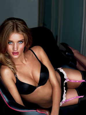 Rosie Huntington Whiteley black bikini hot look  Transformer Girl