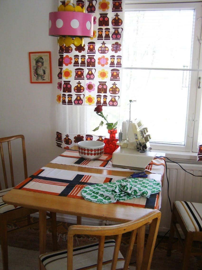 Pikkukiisken kotona kuvia kodista ja kirpparilta ostettuja )