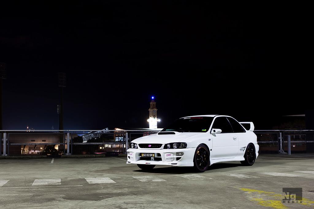Subaru Impreza WRX STi, sportowe coupe, japońskie, noc, zdjęcia, tuning, jdm