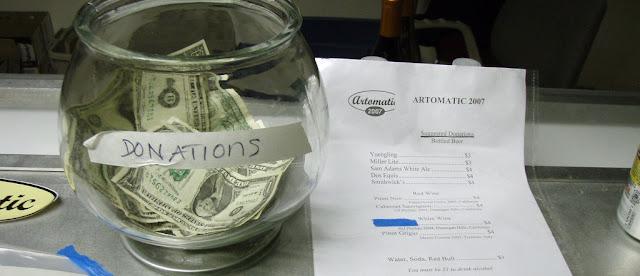 creyentes y ateos caritativos, los ateos son más compasivos, creyentes menor indice de donaciones, ong reciben más dinero de no creyentes