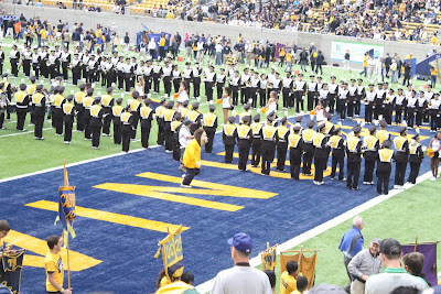 Oski Mascot and Cal Marching Band