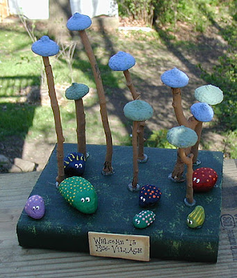 painting on the rocks: bug village
