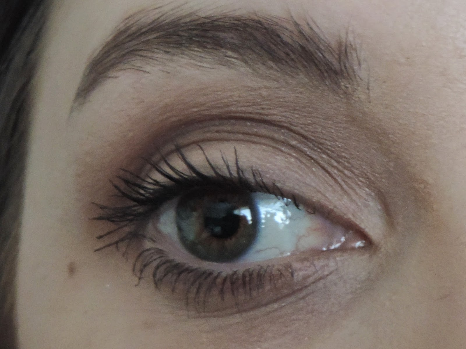 Benefit Roller Lash Mascara Applied