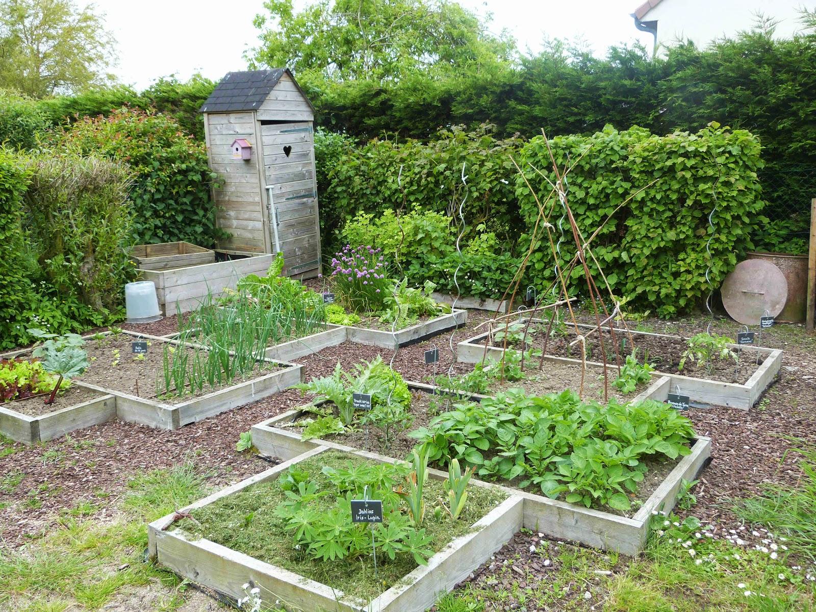 On verra au jardin le potager au fil des mois for Au jardin potager