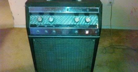Craigslist Vintage Guitar Hunt: Custom Kraft 900 aka Supro ...