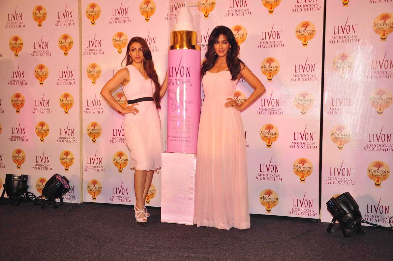 Chitrangda Singh & Soha Ali Khan unveil Livon Moroccan Silk Serum