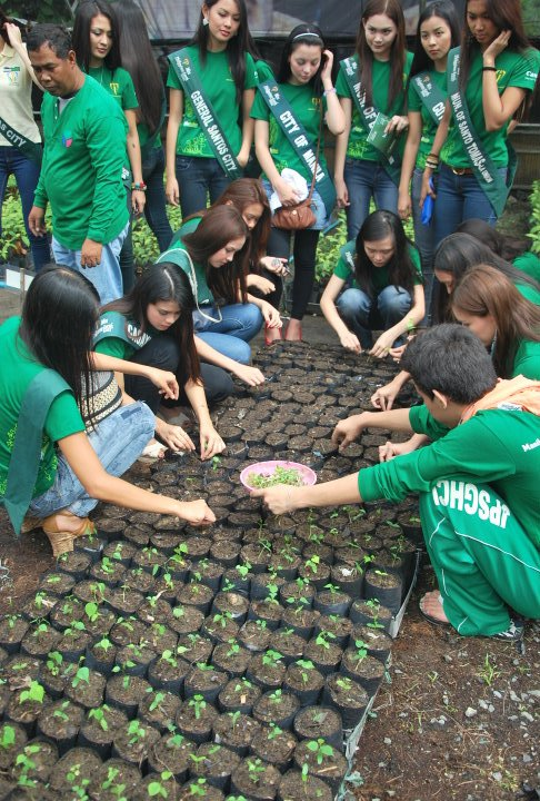 Photos of Miss Philippines Earth 2011 activities