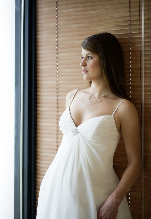 hottest maternity wedding dresses for 2013 spring