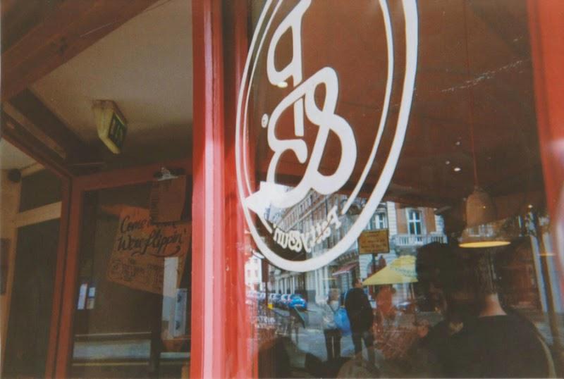 Best burgers in London. Patty & Bun. Honest burger. Meat Liquor. Five Guys. The London Project.