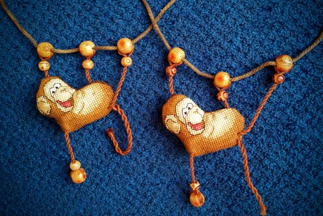 символ года, игрушка на елку, елочная игрушка, вышитая обезьяна