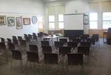 Prázdná meetingová místnost