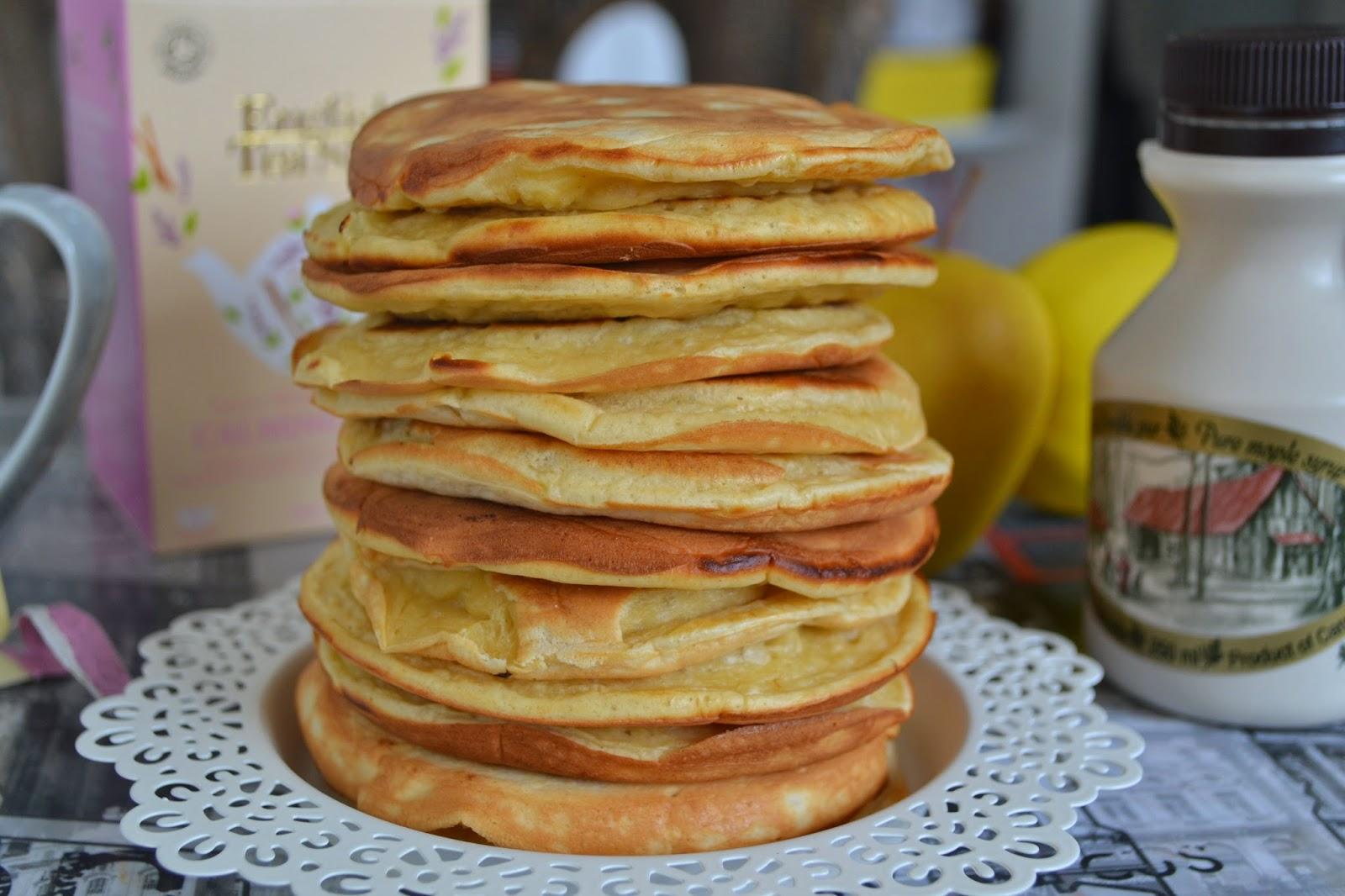 pancakes pomme, sirop d'érable, crepe,