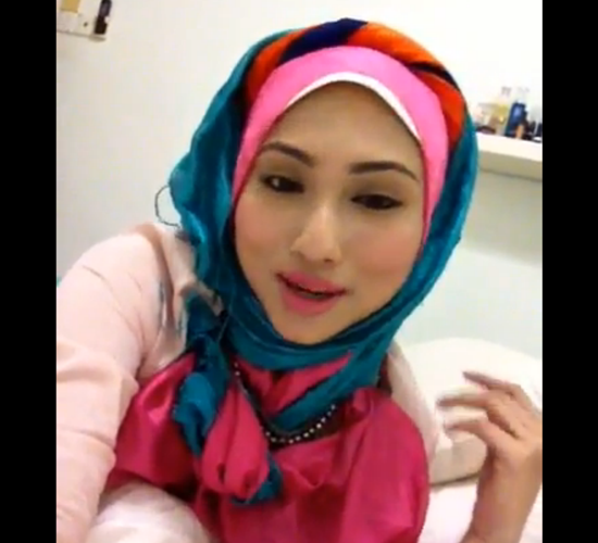 Foto Hasmidar Jaa'far Bertudung