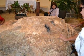 pedra onde os discipulos assaram o peixe