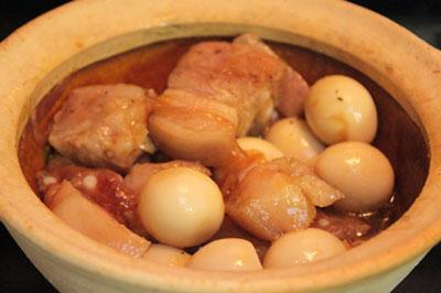 thịt ba chỉ kho trứng cut- mon ngon de lam