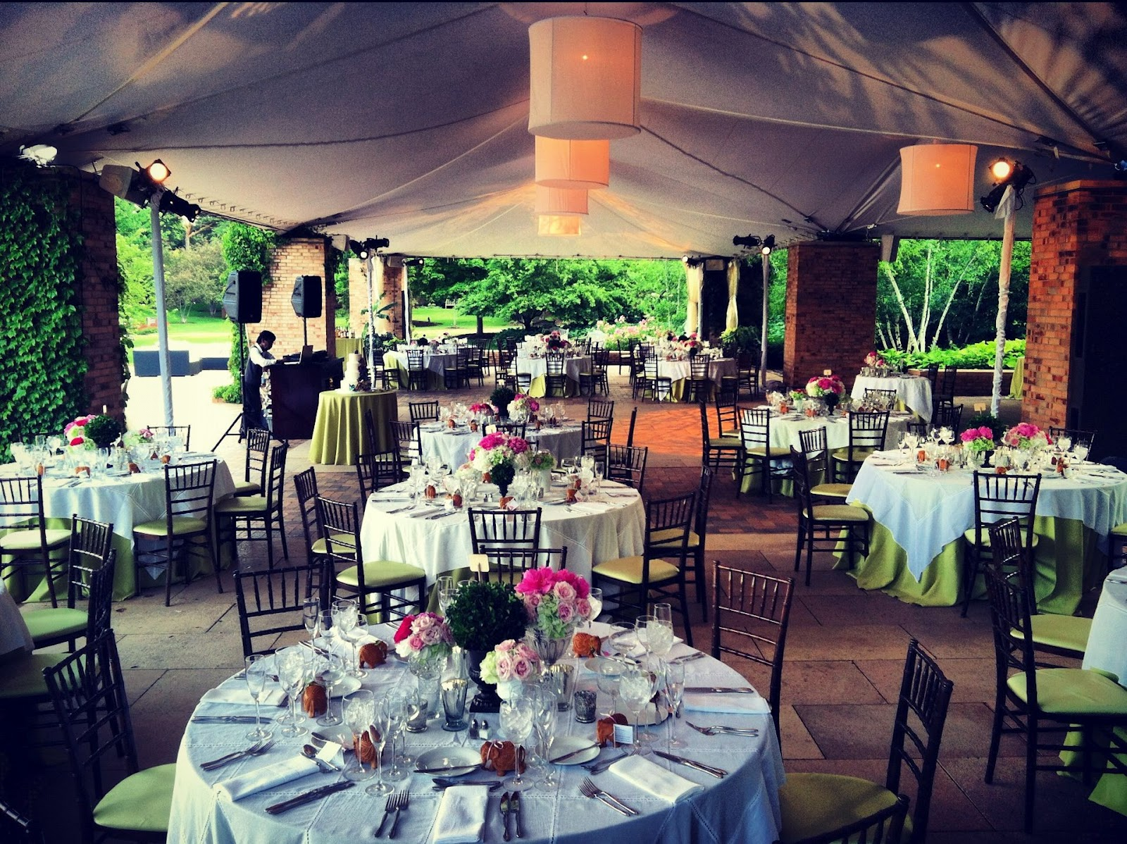 Liven It Up Events Corporate Affairs Boutique Weddings And Social Soirees In Chicago