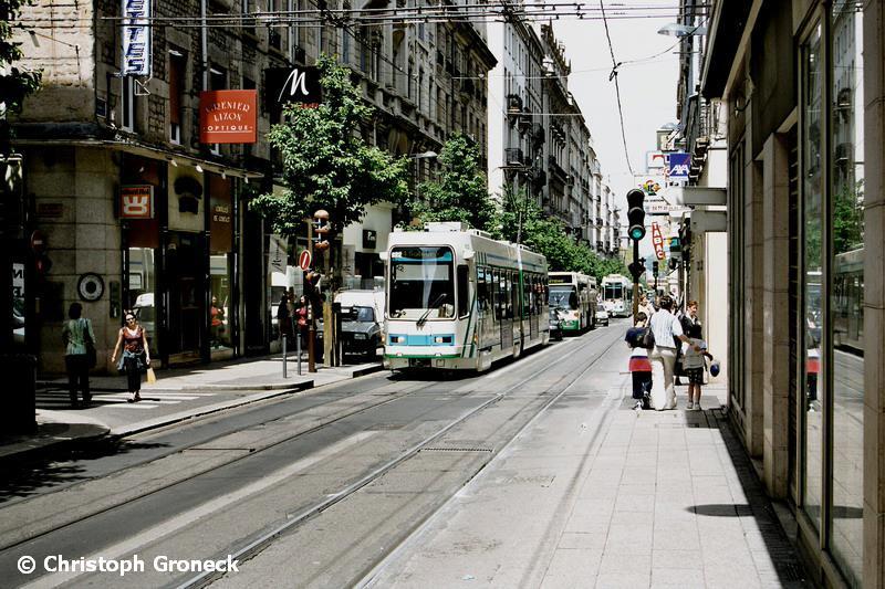 Saint-Etienne France  city photo : aunque as í son las cosas en Saint Étienne, a finales de julio ...