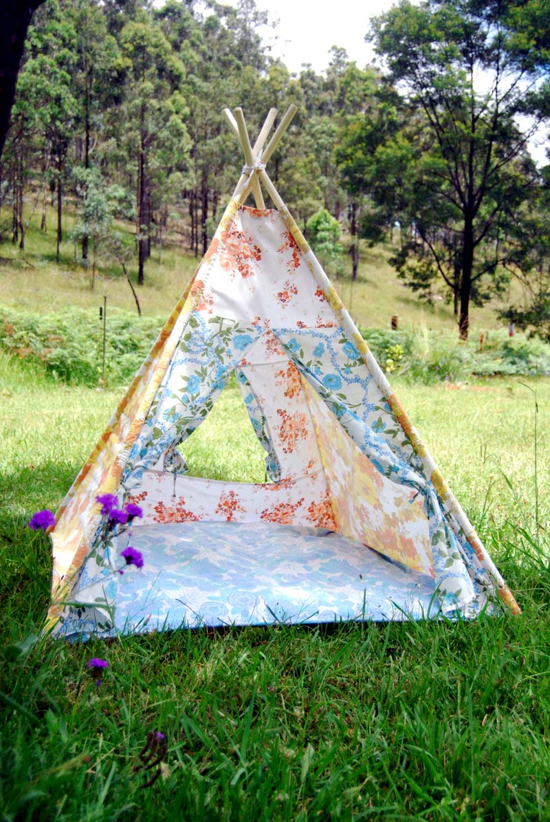 hazyjane how to build a teepee in two days. Black Bedroom Furniture Sets. Home Design Ideas