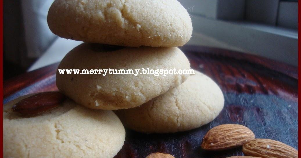 Merry Tummy: Eggless Almond Cardamom Cookies