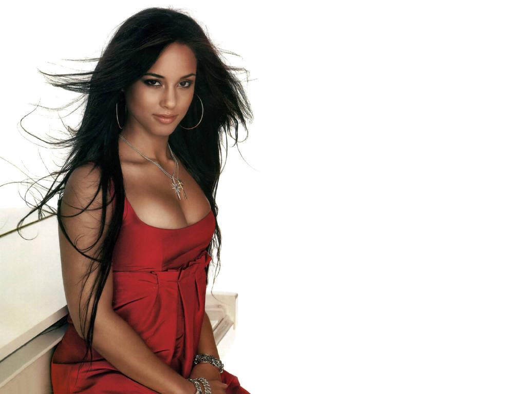 http://2.bp.blogspot.com/-atNhUlia-VA/TZOo_ONcy-I/AAAAAAAADB4/HqPAIce0Vv0/s1600/Alicia+Keys+boobs+cleavage.JPG