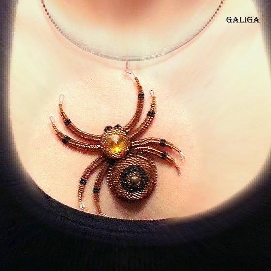 beautiful spider pendant bead