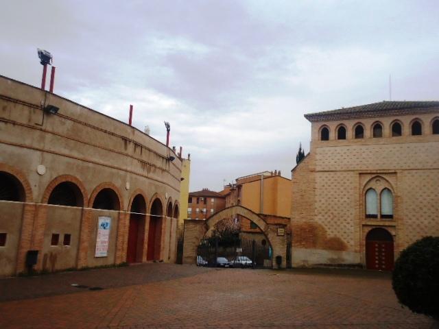 Complejo de San Julián y Plaza de Toros (Barbastro)