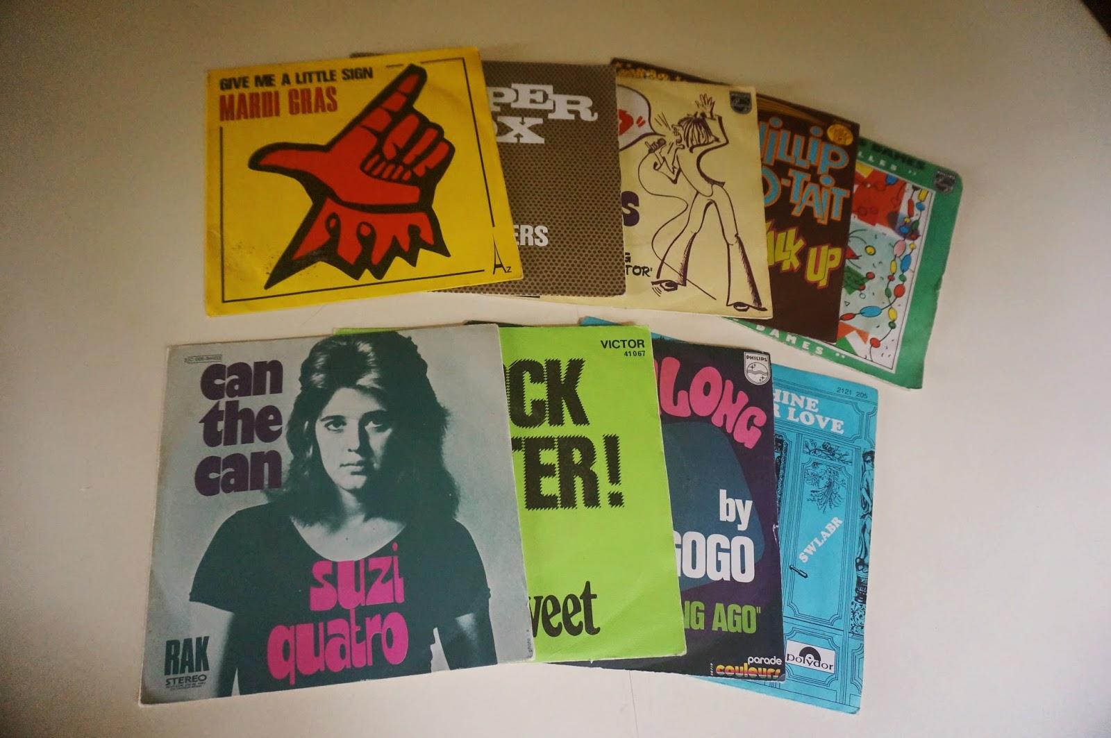 Des 45 tours trouvés ce matin à Meaux glam rock the sweet suzi quatro Des rouleaux d' adhésif  Vénilia trouvés au monstre cette semaine BROCANTE 1970 70s années 70