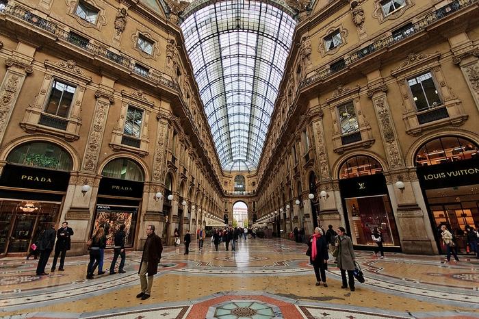 red sonja fashion blog Milan shopping