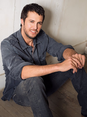 Luke Bryan Wiki, Photos & Video Songs !