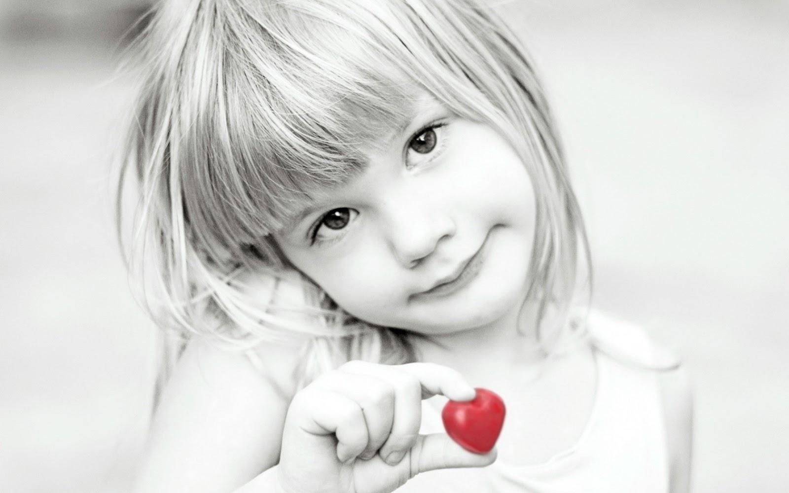 Cute little baby girl holding heart hd wallpaper cute little babies cute little baby girl holding heart hd wallpaper voltagebd Choice Image