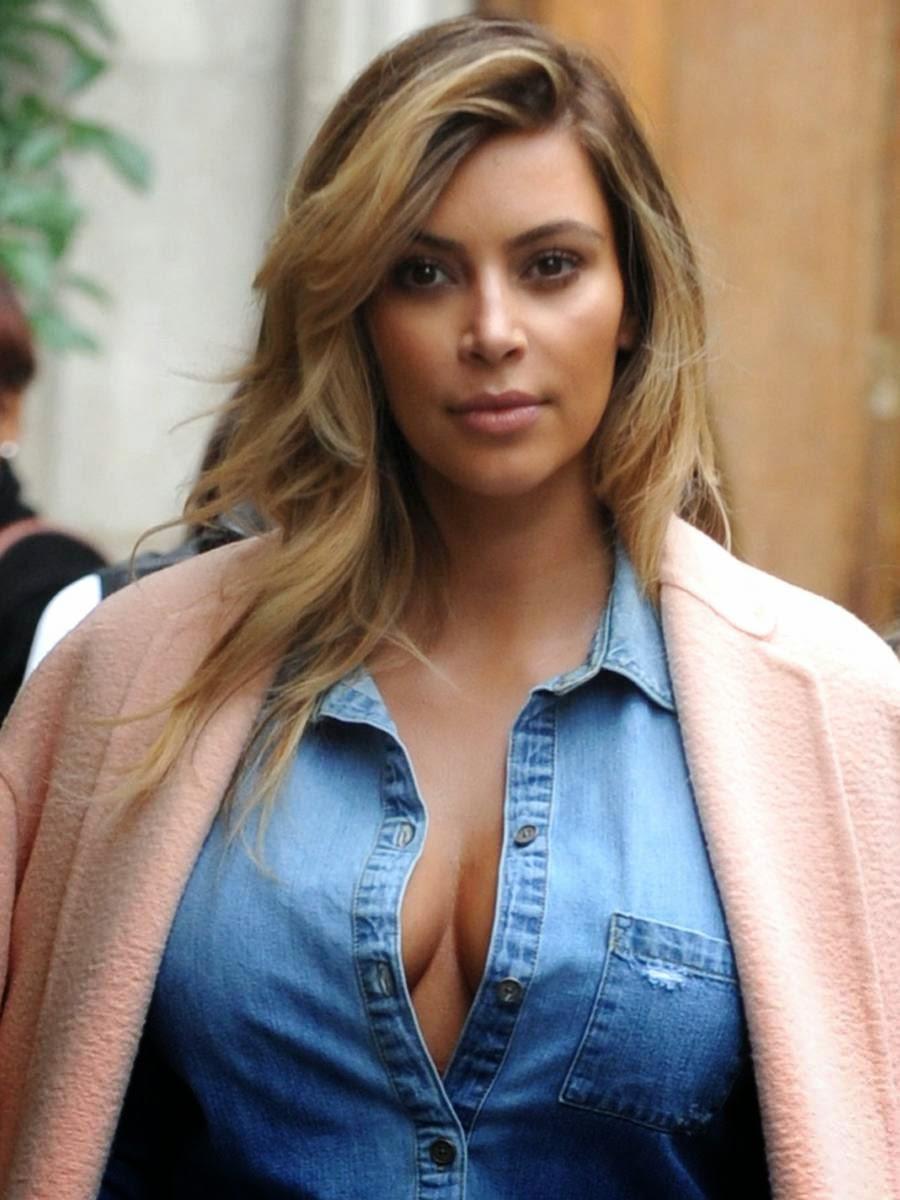 kim kardasian hotest cleavage pictures