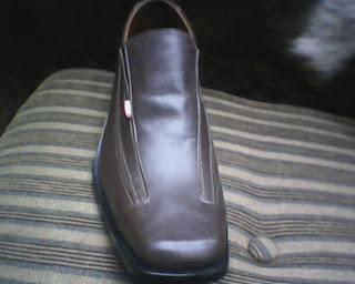 sepatu kickers original punya