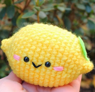 http://amigurumifood.blogspot.com.es/2013/12/lemon-cute-amigurumi-free-pattern.html