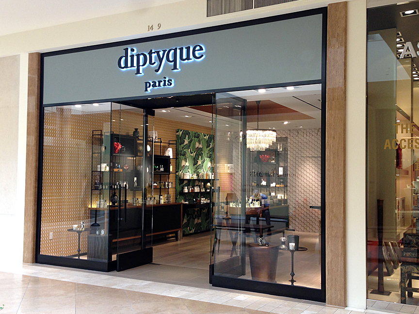 Diptyque boutique south coast plaza the beauty look book for Boutique center