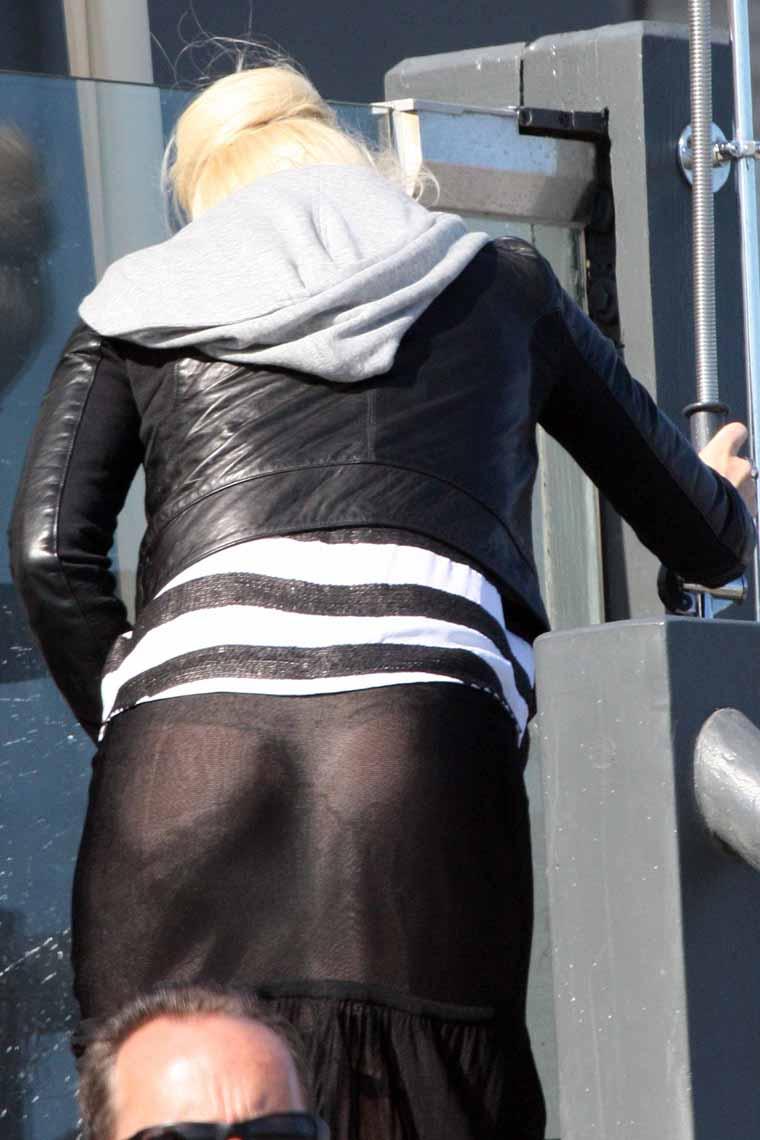Practically Naked! Gwen Stefani Shows