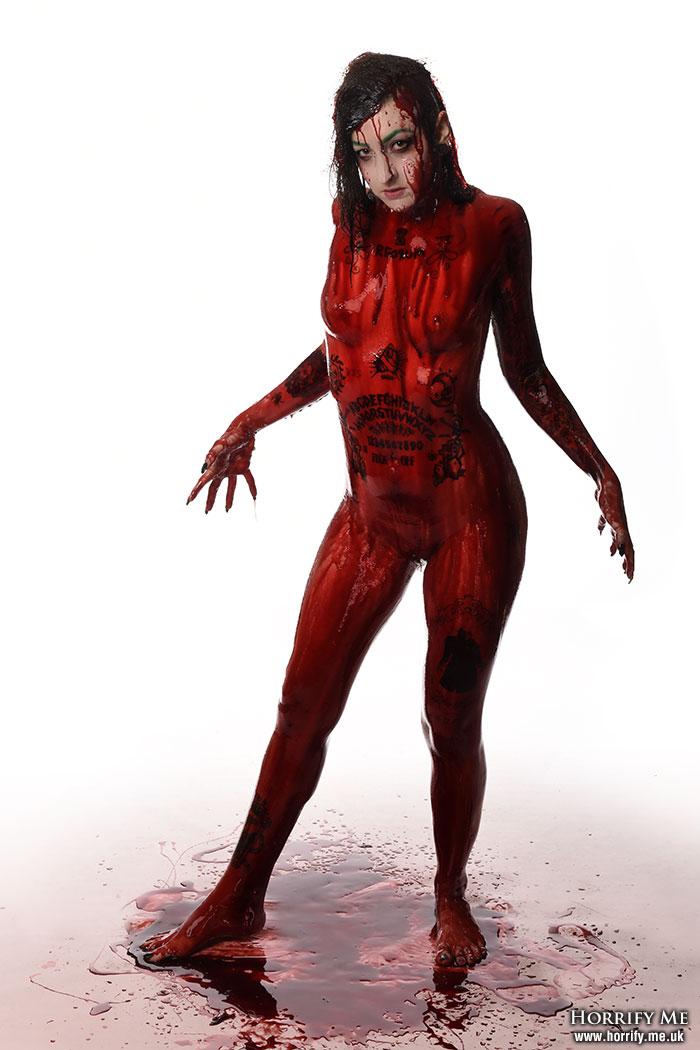 Bloody nude girls pics