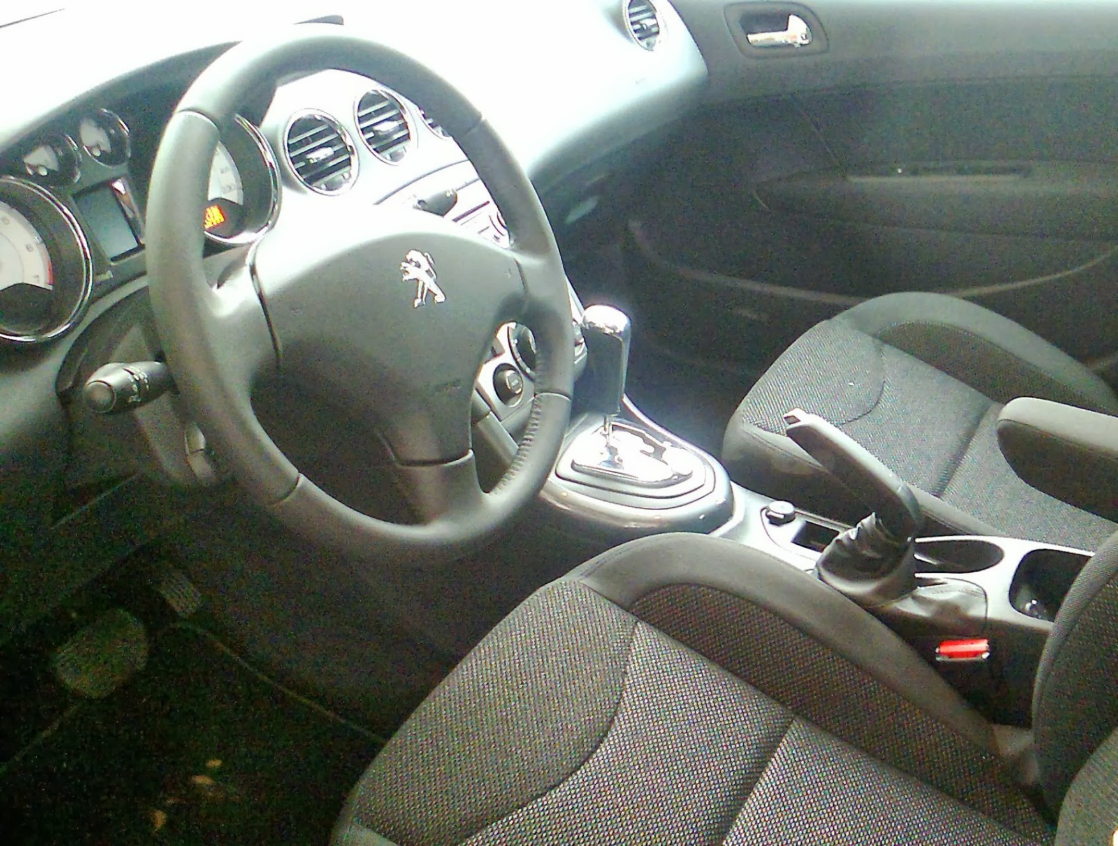 Peugeot 408 allure evolu o no c mbio autom tico for Interior 408 allure