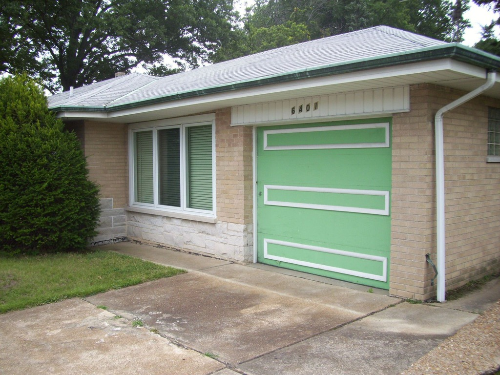 Thriftables 1950s Time Capsule Home For Sale In South St