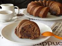 Bizcocho de chocolate con chocolate