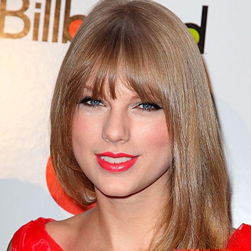 Taylor Swift fringe hairstyle - Softly Tousled
