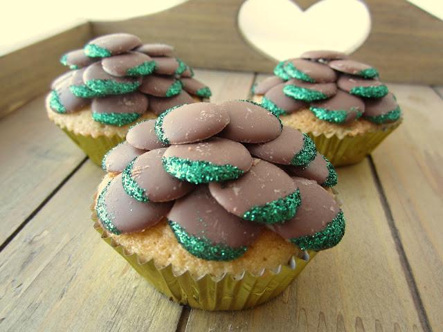 christmas tree glitter cupcakes