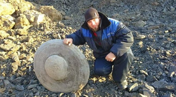 kubas1 - Encontrada escultura de OVNI en una mina rusa